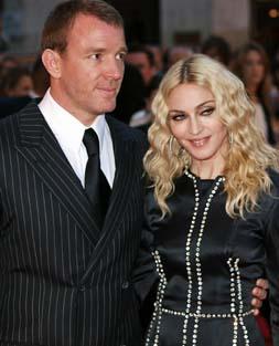 Guy Ritchie rechaza los 24 millones de euros que le ofrece Madonna por el divorcio