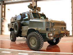 Defensa recibirá este mes doce nuevos blindados que sustituyen a los BMR