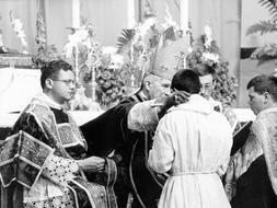 El Papa levanta la excomunión a los obispos tradicionalistas lefebvrianos