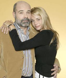 Dos revistas indemnizarán a Antonio Resines por dar a conocer su relación sentimental