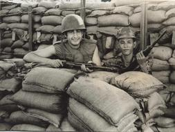 14/03/10  El Corazón de las Tinieblas I: La Guerra Vietnam3--253x190
