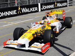 Renault revoluciona el R29 para llevar al podio a Alonso