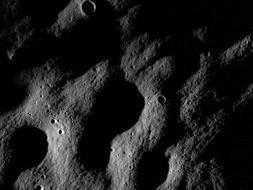 La sonda LRO envía sus primeras imágenes de la superficie de la Luna