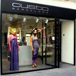 Custo Barcelona desembarca en Asia con tiendas en Hong Kong y Singapur 30f9800223a