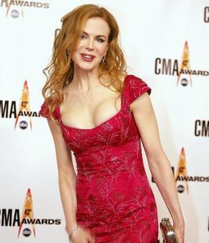 Nicole Kidman encantada de ser tetona