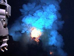 Filman por primera vez la erupción explosiva de un volcán submarino