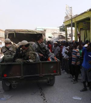 EE.UU. despliega 13.500 soldados en Haití mientras Francia le acusa de «ocupación»
