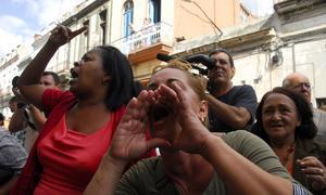 «¡La calle es de Fidel!», les gritan a las Damas de Blanco