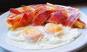 Huevos en el desayuno para mantener la línea