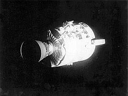 Apolo XIII: «Si les hacemos volver a la Tierra, no habremos fracasado»
