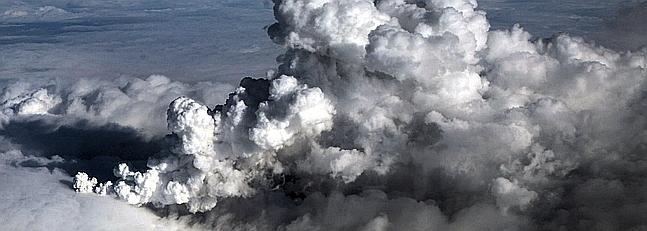 Las nubes de ceniza de un volcán colapsan el espacio aéreo europeo