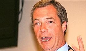 El  líder antieuropeo Nigel Farage, herido en un accidente de avioneta