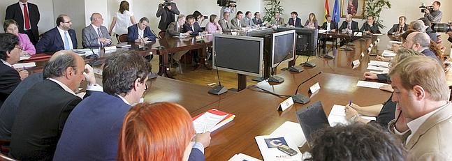 La rebaja del sueldo de los funcionarios afectar a la for Mesa funcion publica