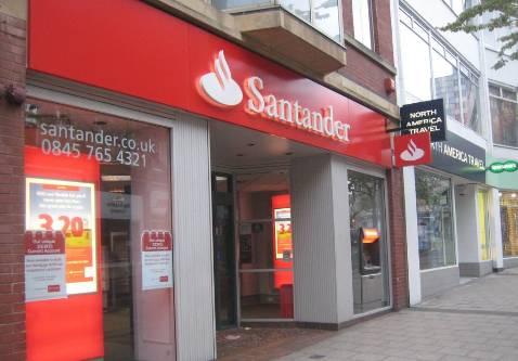 Santander echa sus redes sobre 318 sucursales en reino for Sucursales banco espana