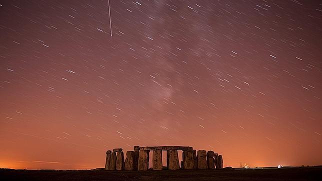 Os meteoros foram bem vísiveis na Inglaterra; na foto, o Stonehenge, construído há milênios
