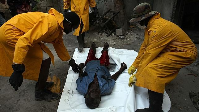 Un epidemiólogo francés asegura que el cólera de Haití fue importado ...