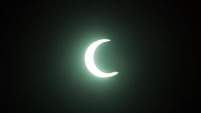 EL HILO DE LOS AMIGUETES XII - Página 39 Eclipse_anular--644x362