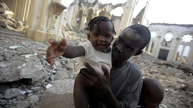 Haití sigue sumido en el caos a un año del seísmo
