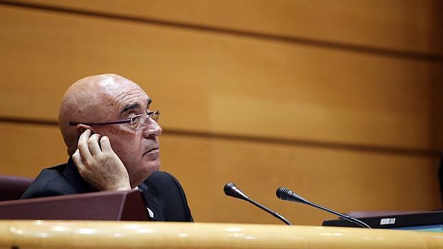 Algunos involucionan , por muy alto nivel que tengan/ usan traductor en el Parlamento espanol. 0RUN4073--644x362