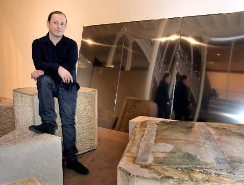 Resultado de imagen de 'Found Dead' del artista Ibon Aranberri
