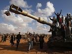 En directo: La OTAN asume el mando de la operación en Libia