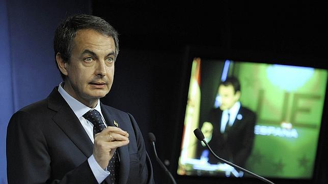 Zapatero limita el gasto autonómico..., pero no tanto