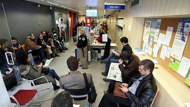 Panor mica de una oficina de empleo catalana - Oficina de empleo galicia ...