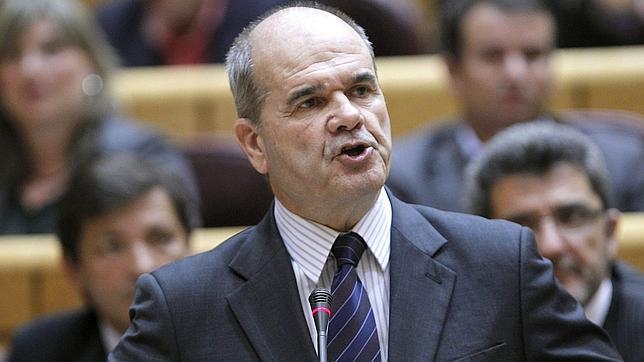 La Junta consuma su «enchufazo» de 20.000 contratos a dedo