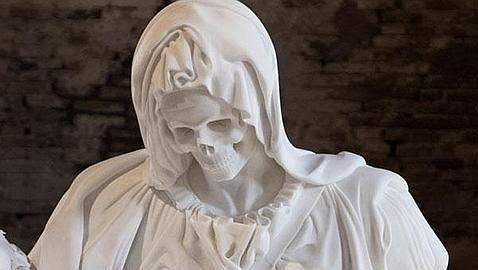 Una «Piedad» esquelética y con el rostro de la muerte escandaliza a Venecia