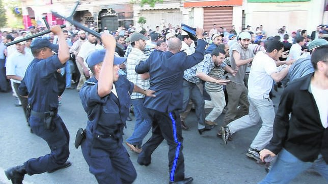 Marruecos despierta de su letargo político