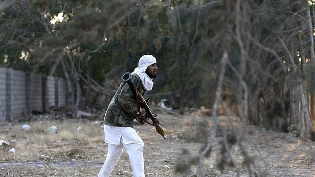 La OTAN y sus aliados acuerdan ampliar 90 días la misión internacional en Libia