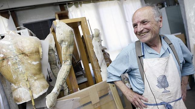 El artista, en su taller. Ernesto Agudo