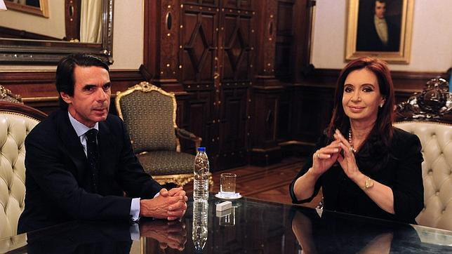 Aznar urge a convocar elecciones porque España está en un período «agónico»