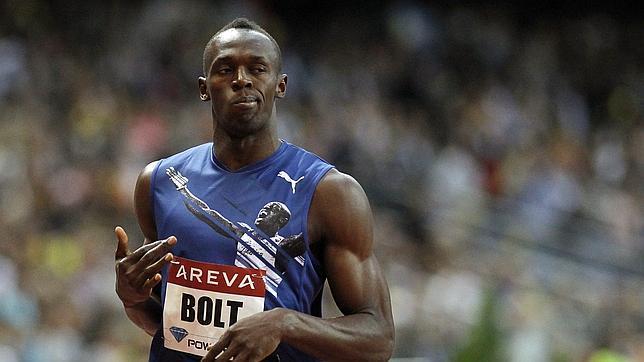 Bolt se exhibe con el freno echado en los 200 metros de la reunión de París