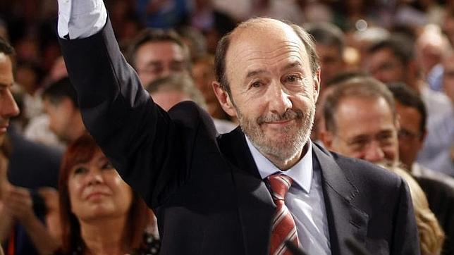 Los cambios en el Gobierno revelarán si Rubalcaba controla todo el PSOE