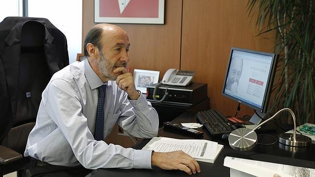 Rubalcaba dice que al final «se ha hecho justicia» con Marta Domínguez