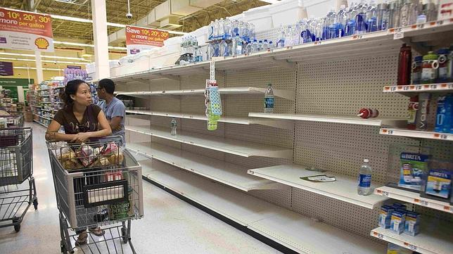 Nueva York ordena la evacuación de 250.000 personas por el huracán