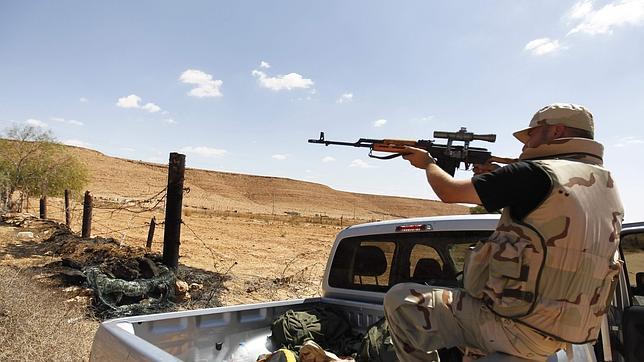 Rebeldes y gadafistas combaten en las calles de Bani Walid