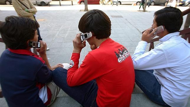 El móvil puede ser cancerígeno en niños