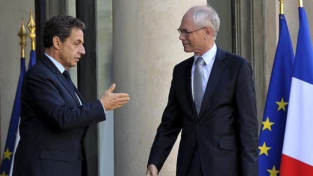 Sarkozy hará «todo lo posible para salvar a Grecia» de la quiebra