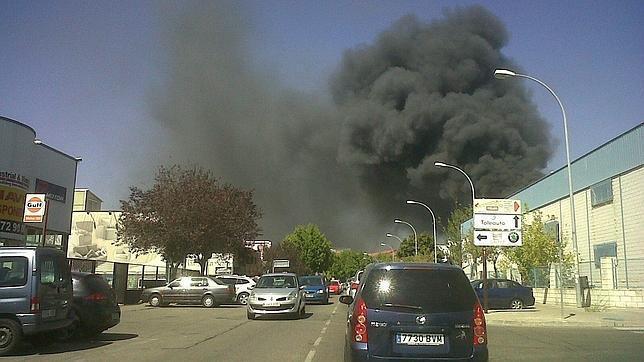 Un aparatoso incendio obliga a desalojar un centro comercial en rivas vaciamadrid - Muebles anticrisis en rivas vaciamadrid ...