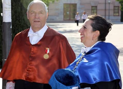 La UCLM nombra «honoris causa» al profesor Enrique Castillo