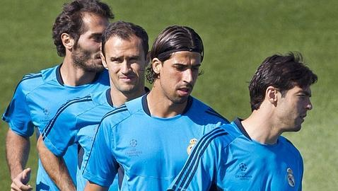 Carvalho vuelve al grupo