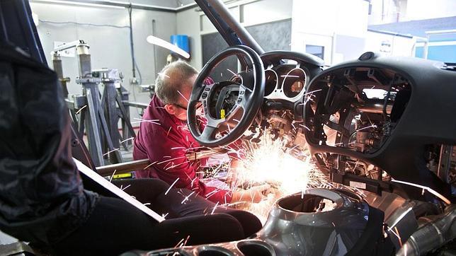 El nuevo Nissan Juke-R, demoledor y viene con todo (Imágenes) 4-juke-r--644x362