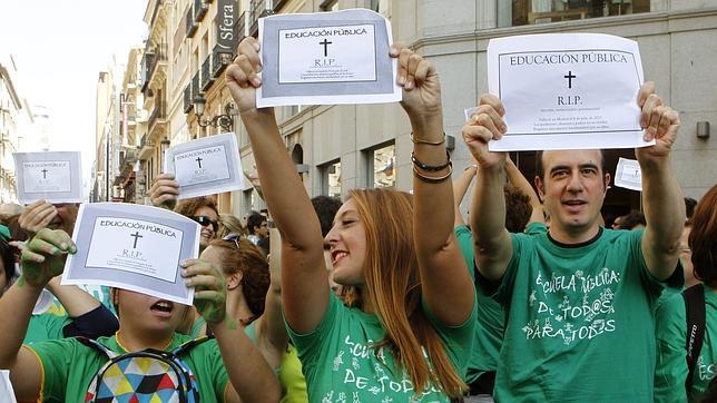 Aguirre descubre el negocio de IU con las «camisetas verdes»