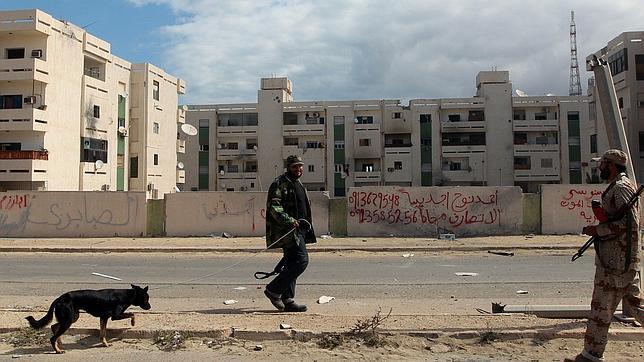 Los rebeldes libios conquistan totalmente Sirte, el último bastión de Gadafi