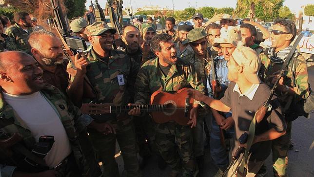 La nueva Libia sin el dictador afronta un porvenir plagado de incertidumbres