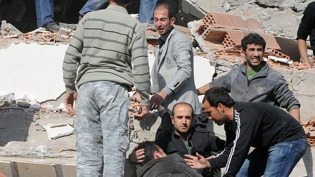 Un terremoto de 6,6 en la escala de Richter sacude la frontera entre Turquía e Irán