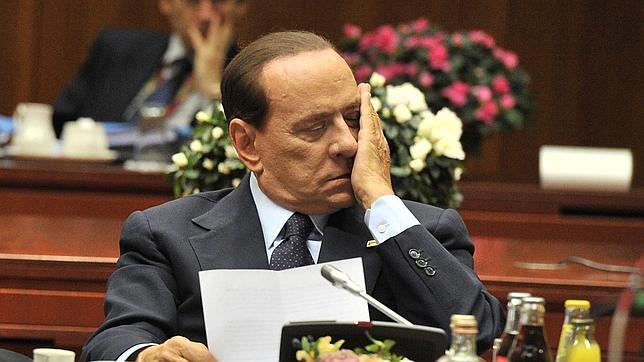 Un ministro de Berlusconi reconoce que el Gobierno italiano está al borde del abismo