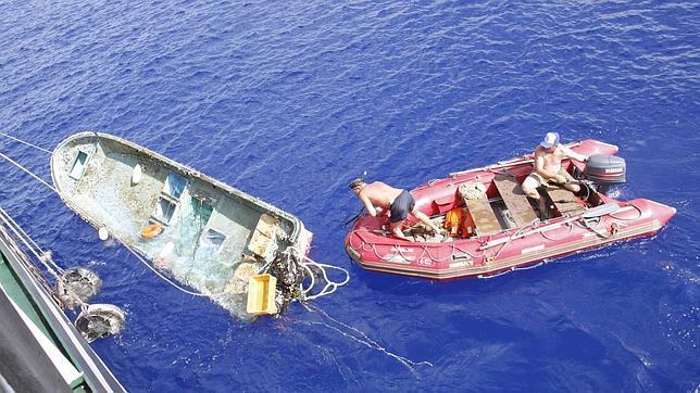 Toneladas de restos del tsunami de Japón flotan en el Pacífico hacia EE.UU.